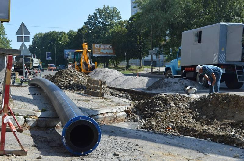На вулиці Свободи приєднують ділянку водопроводу