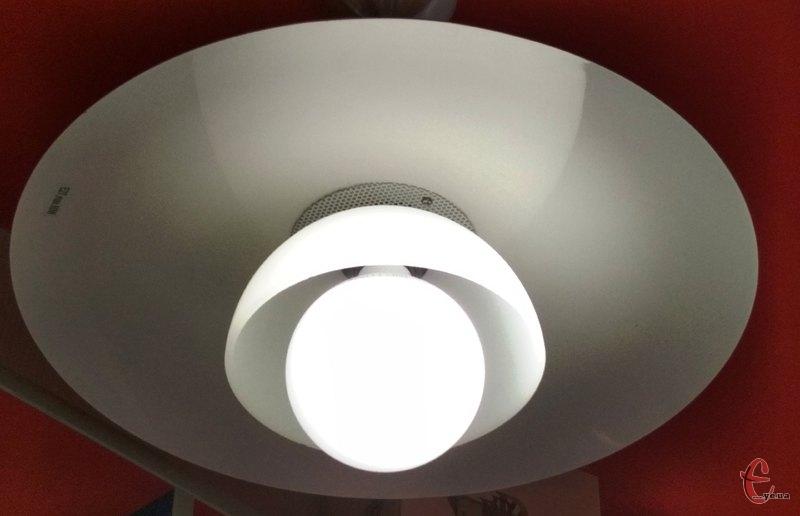 Світла в помешканнях хмельничан не буде впродовж семи годин