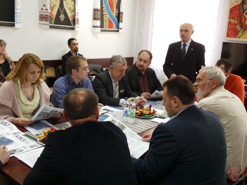 Що дає громадам запровадження доброго ефективного самоврядування обговорювали за круглим столом.