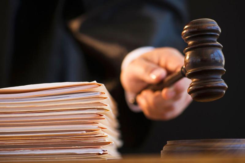 Вироком Кам'янець-Подільського міськрайонного суду педагога визнано винним