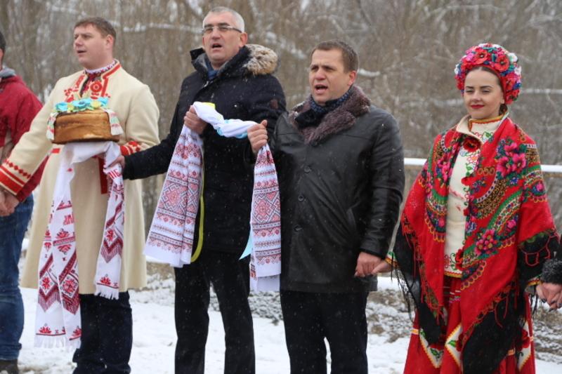 Лідери парторганізацій Аграрної партії обох областей Сергій Іващук та Іван Чайківський нагадали уроки історії і закликали зробити них правильні висновки.
