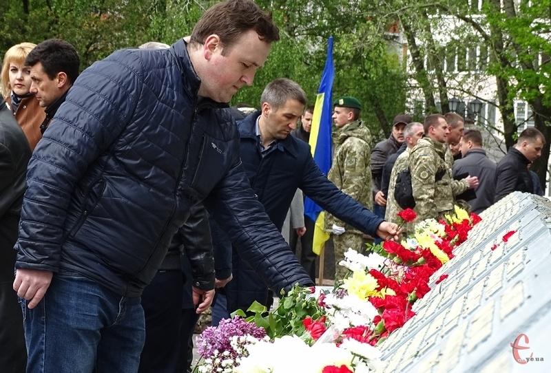 8 травня в Україні вшановують День пам'яті та примирення