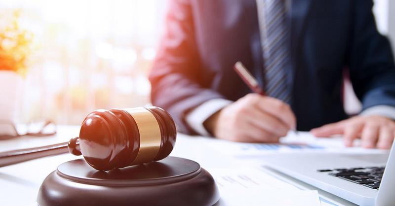 Суд визнав недопустимим доказом поліцейський протокол, складений з порушенням конституційних прав і свобод людини