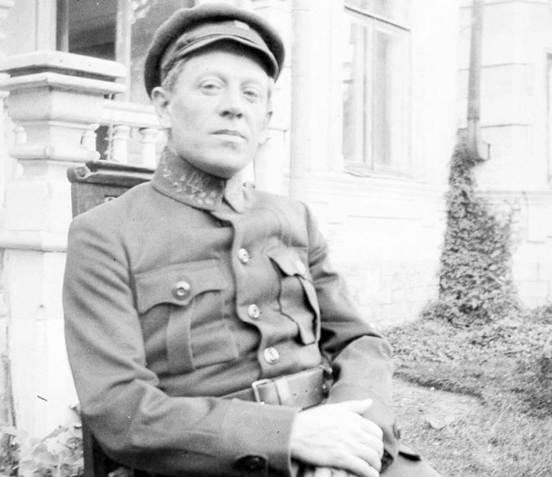 На фото Симон Петлюра, ймовірно у Кам\'янці-Подільському, 1919 року