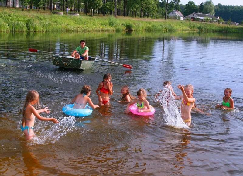 Діти мають купатись під наглядом дорослих