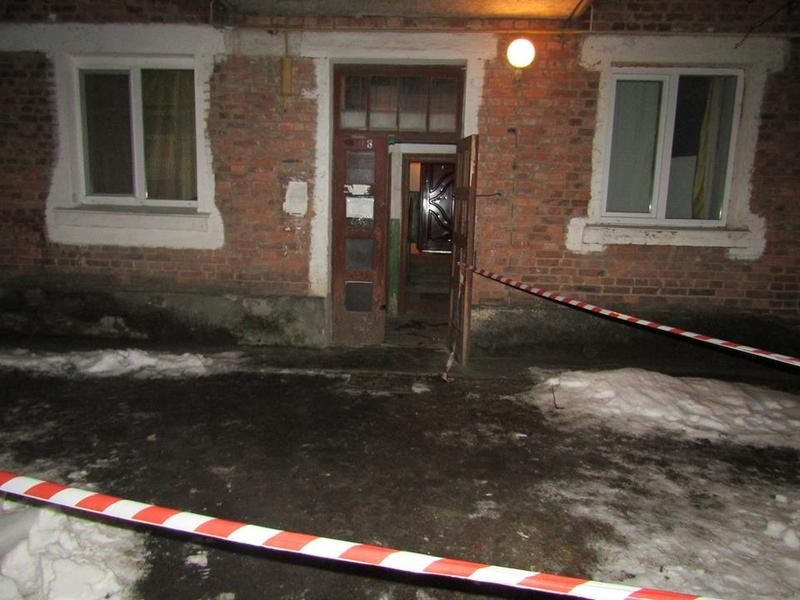 Працівники Славутського району працівники поліції оперативно затримали нетішинця, який наніс 28-річному славутчанину смертельні ушкодження