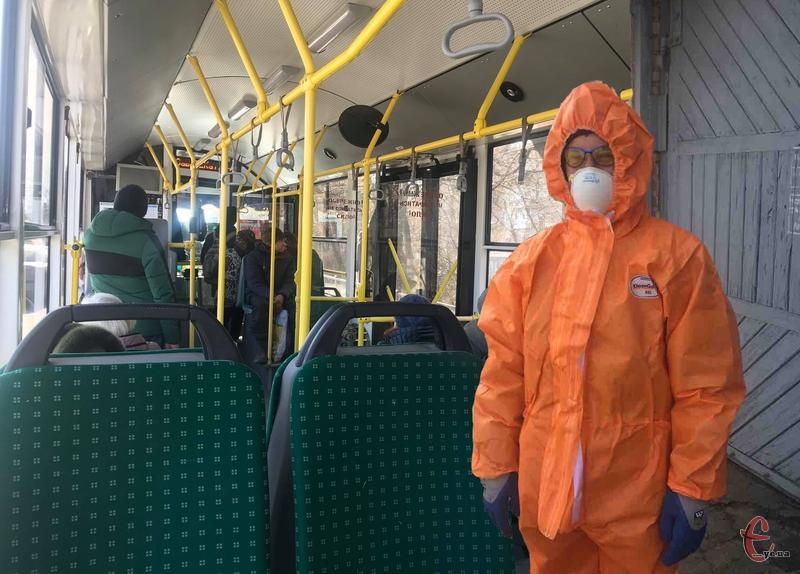 Дезінфекцію тролейбусів розпочали сьогодні, 17 березня