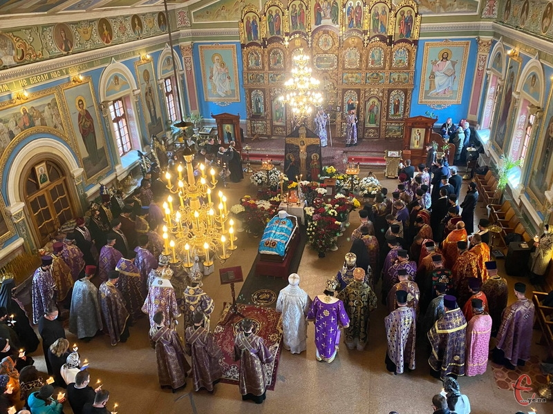 26 березня у Хмельницькому попрощалися з митрополитом Хмельницьким і Кам'янець-Подільським Антонієм (Махотою)