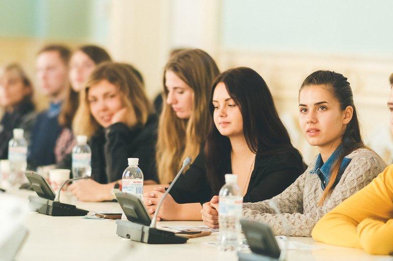Активісти планують виховати вмілих спеціалістів, що здійснюють діяльність «словом та ділом»