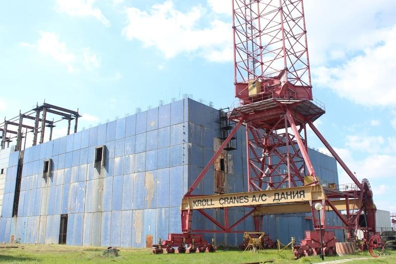 Наразі третій енергоблок Хмельницької АЕС зведений на 75 відсотків, а четвертий (на фото) — на 15 відсотків