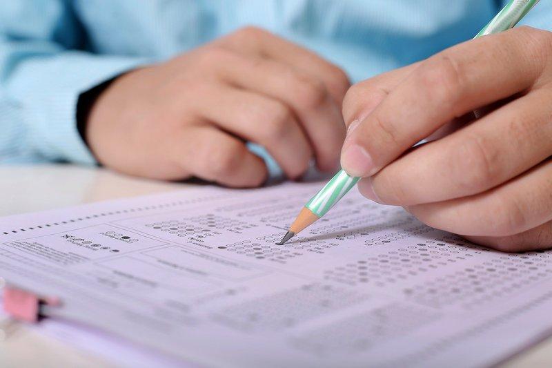 Керівники закладів просять батьків та дітей, які прийдуть на іспити, дотримуватися санітарних вимог
