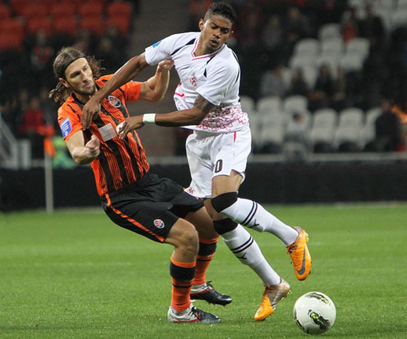Дмитро Чигринський (зліва) у цьому сезоні зіграв лише чотири матчі