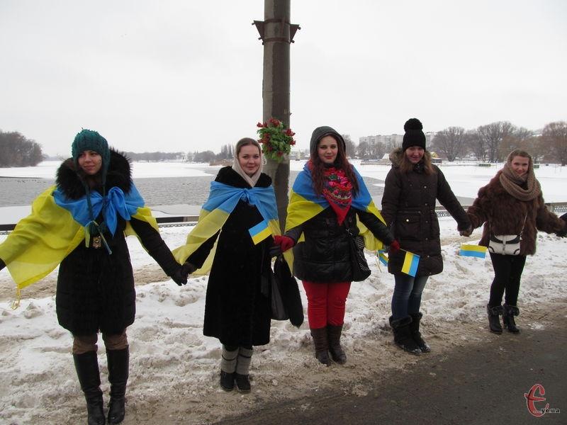Мешканці Хмельницької і Чернівецької областей створять живий ланцюг