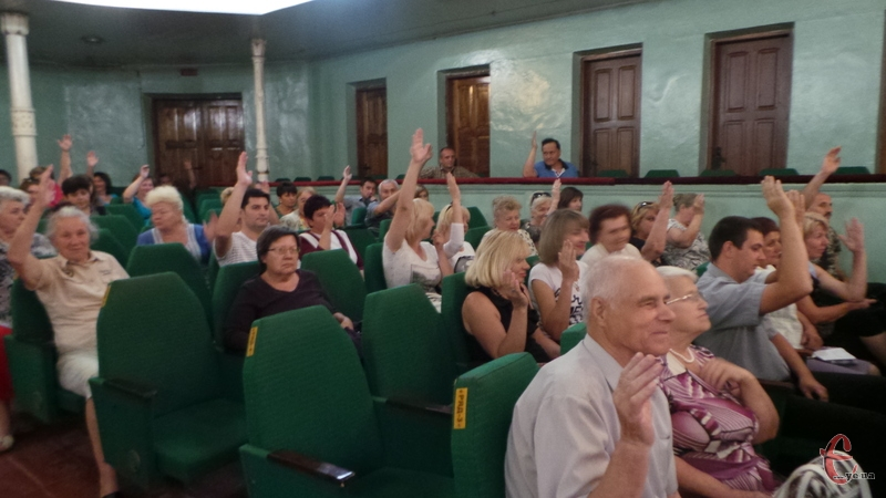 Хмельничани голосували за об'єднання з навколишніми селами