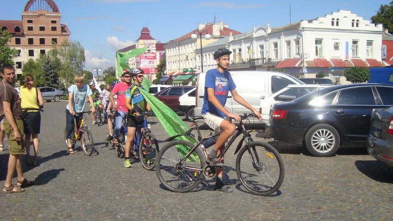 Велосипедисти збирають кошти на облаштування сенсотеки