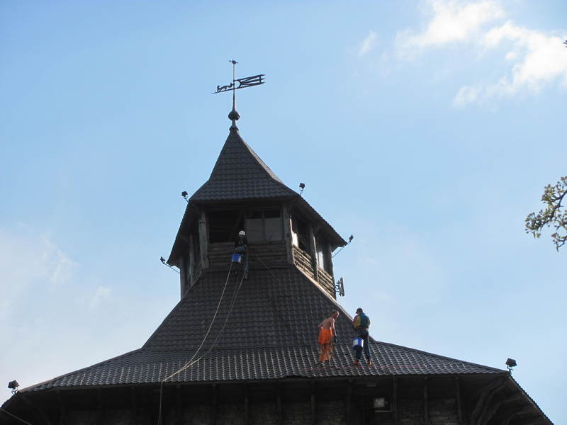 Лицарська вежа потребувала висотних робіт