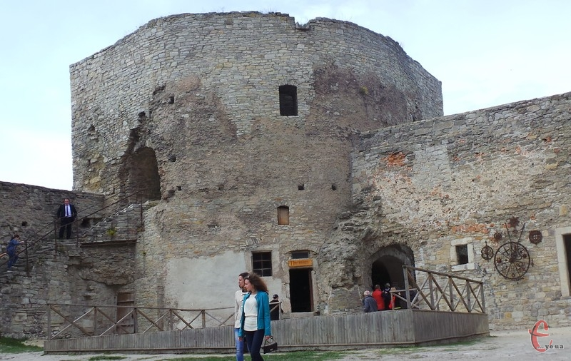 На реконструкцію витратили 4 мільйони 100 тисяч гривень. Частина коштів з Фонду регіонального розвитку і частина – з бюджету міста.