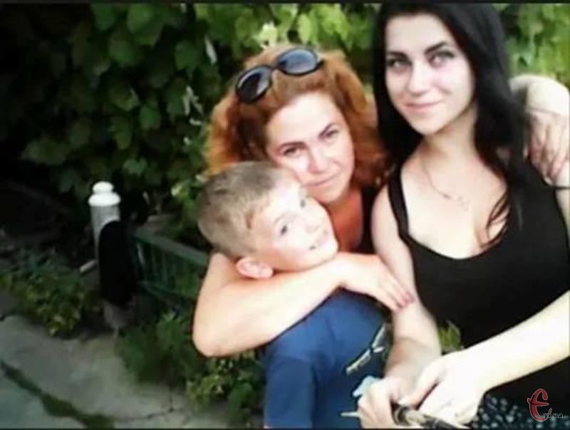 Оксана Бурдельна має двох дітей