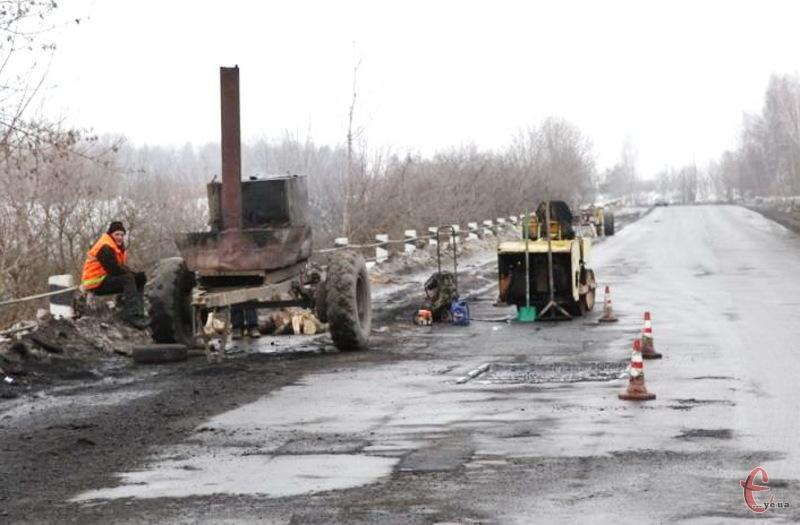 Угоди на ремонт доріг підписані, а роботи не виконуються, бо... немає грошей