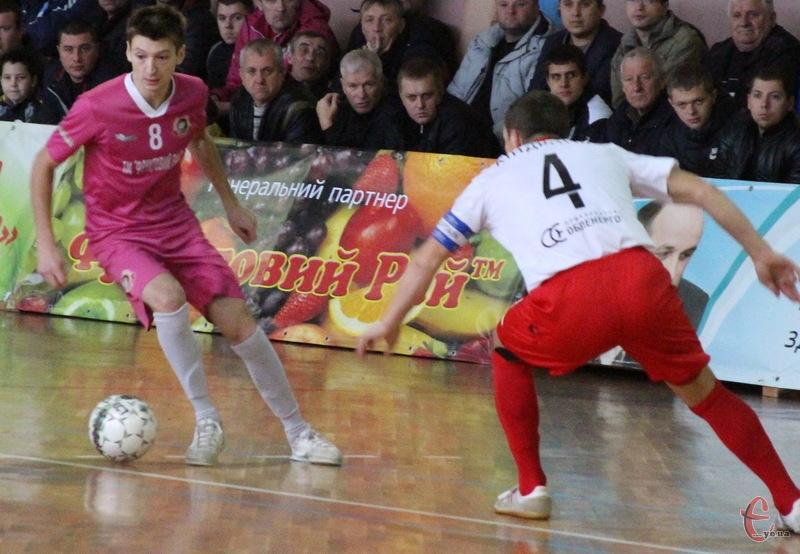 Валерій Власович відзначився двома голами, зігравши за Спортлідер-2