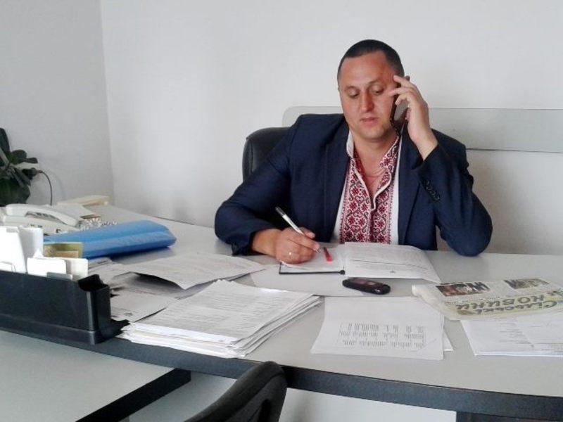 У Віньковецькій райдержадміністрації Володимир Лужняк працює з кінця 2014 року