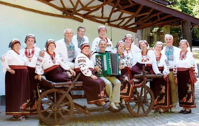 У конкурсі приймає участь народний аматорський вокальний колектив «Бужанка» Меджибізької ОТГ