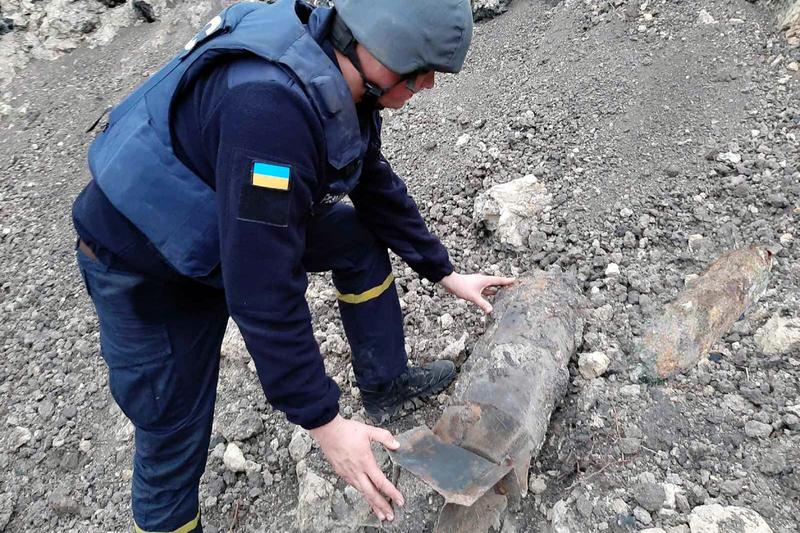 Бомби, вагою 100 кілограмів, знешкодили