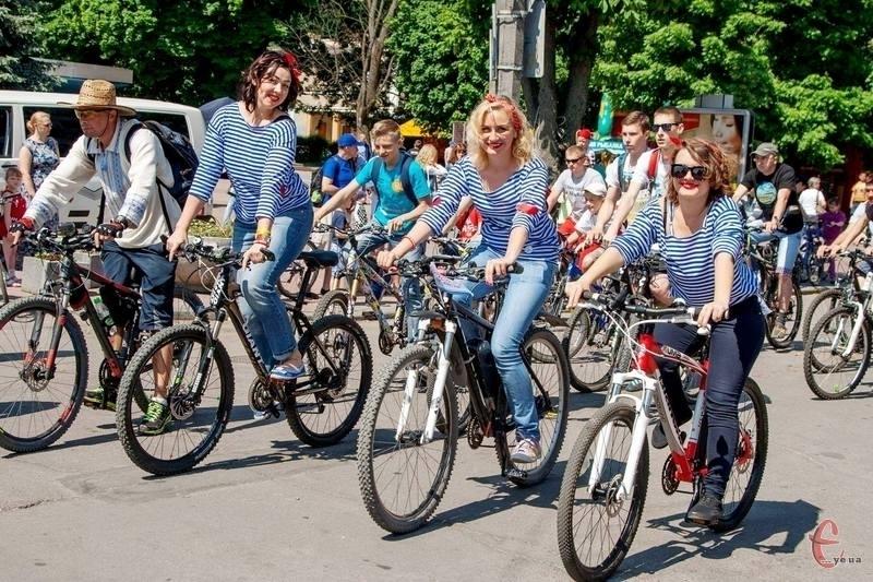 Відсутність власного велосипеда для хмельничан – не проблема