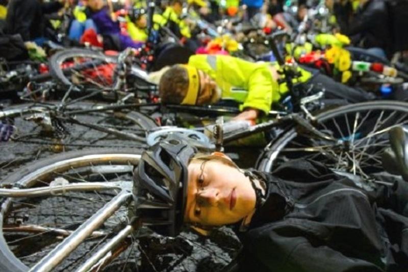 Велосипедисти хочуть привернути увагу до проблеми безпеки дорожнього руху