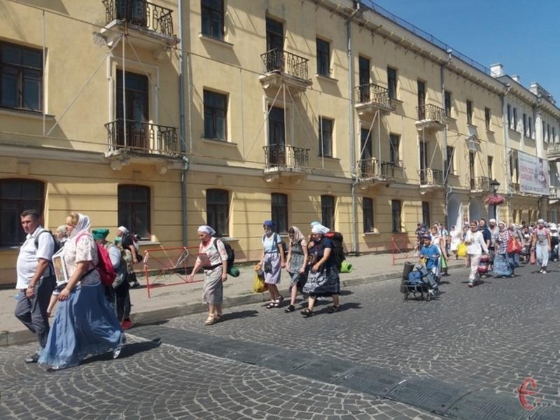 У Кам\'янці-Подільському хресний хід пройшов 19 серпня