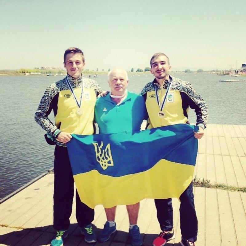 Хмельничанин Денис Янчук (праворуч) на молодіжному чемпіонаті світу з веслування виграв дві золоті нагороди