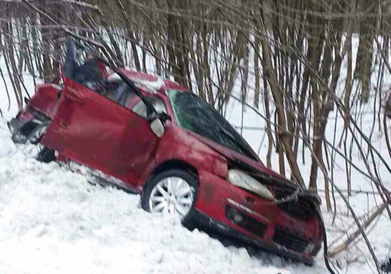 Автомобіл зіткнулися лоб у лоб