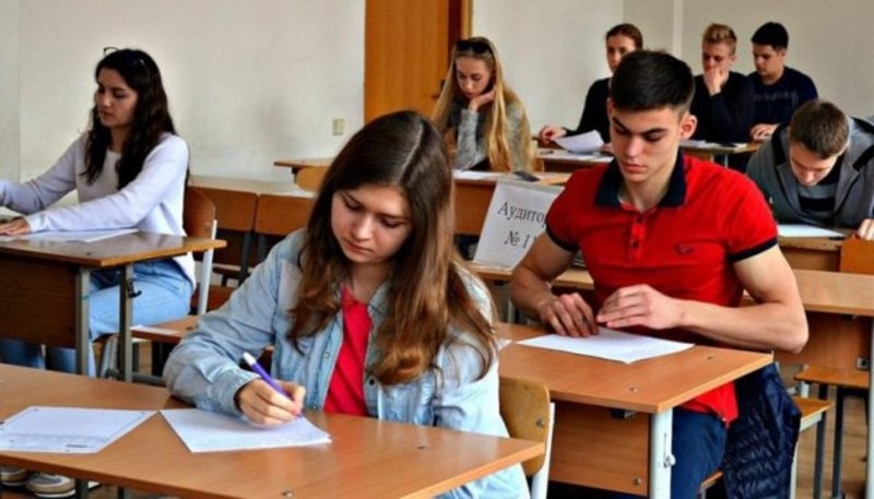 Шість абітурієнтів отримали найвищий бал з одного навчального предмета