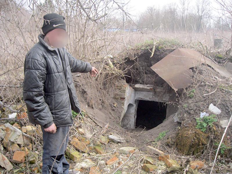 Брати 17 та 13 років викрали з будинку техніку і сховали до льоху