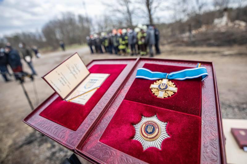 Вогнеборців, які брали участь у ліквідації пожеж у зоні відчуження, було нагороджено орденами «За мужність» ІІІ ступеня