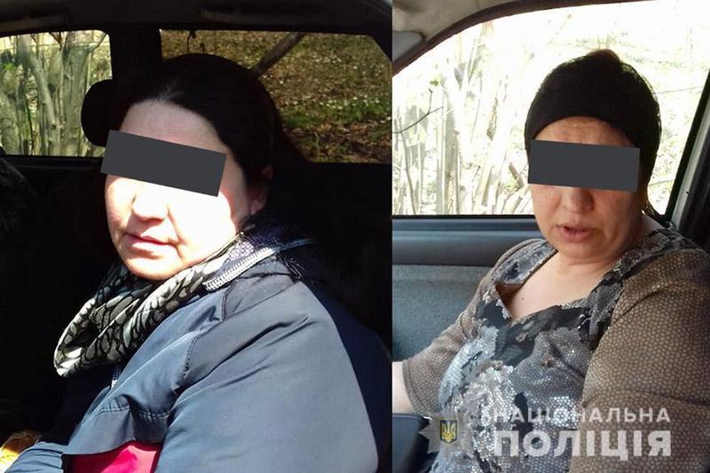 На Хмельниччині поліцейські оперативно затримали двох жінок