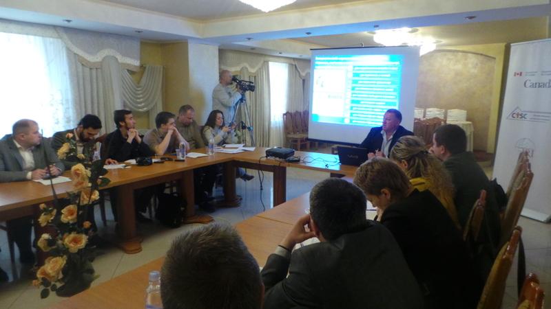 У Хмельницькому обговорили міжнародну практику публічного контролю за веденням реєстрів виборців