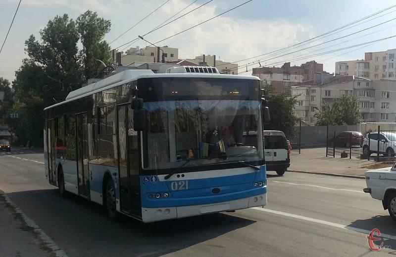 На сьогодні дорогами обласного центру курсує 70 тролейбусів