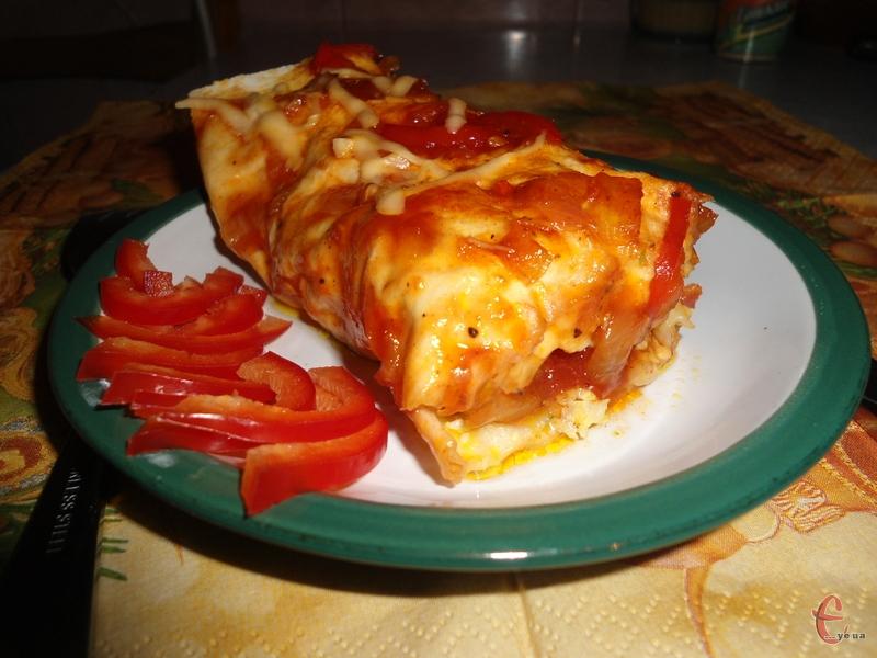Енчілада — це традиційна мексиканська страва.