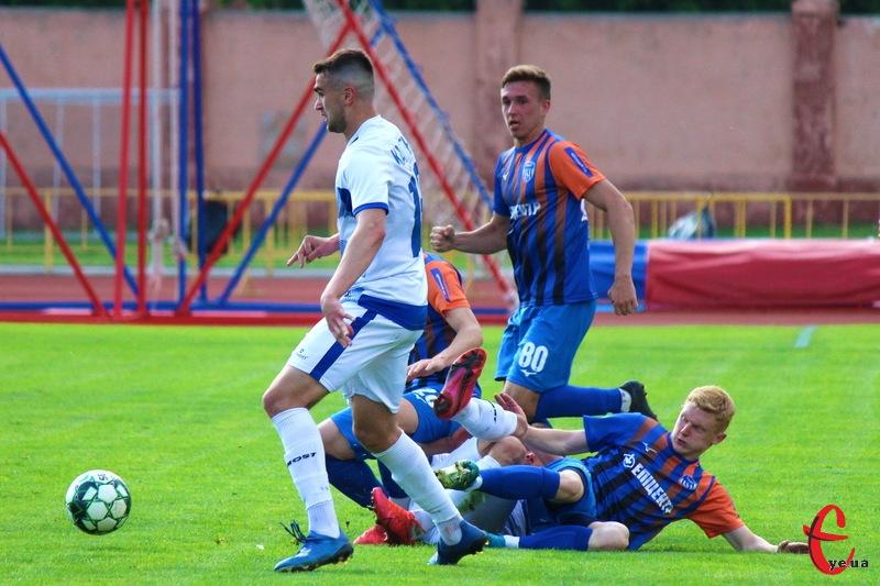 Матч у Хмельницькому між Поділлям та Епіцентром не виявив переможця