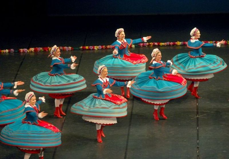 Гостям покажуть танцювальні традиції різних народів.