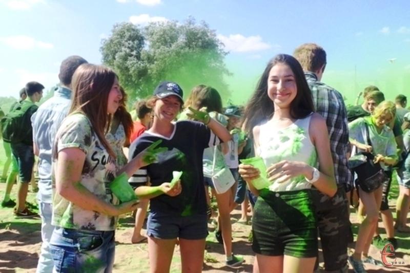Традиційно на фестивалі відбудеться шоу фарб холі