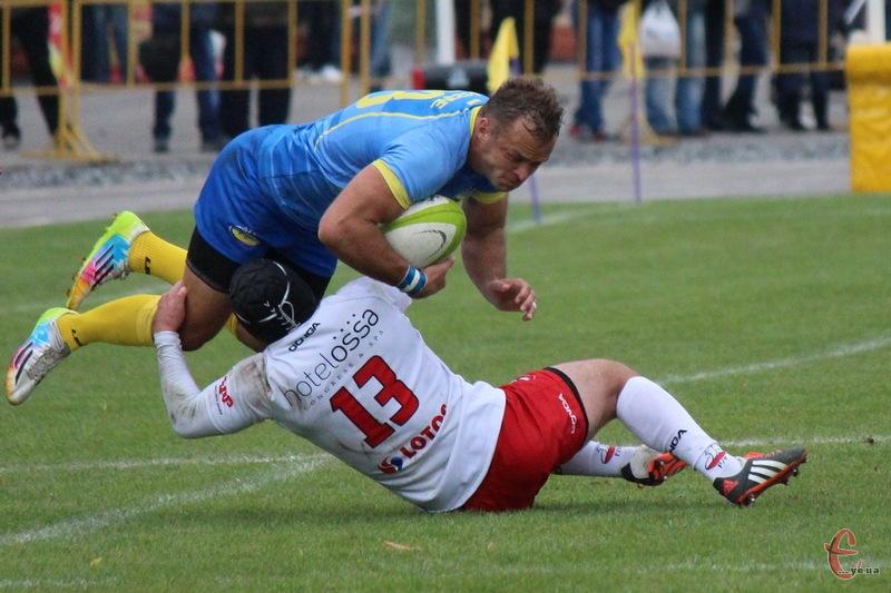 Збірна України в матчі чемпіонату Європи з регбі здолала збірну Польщу, проти якої вперше зіграли в Хмельницькому