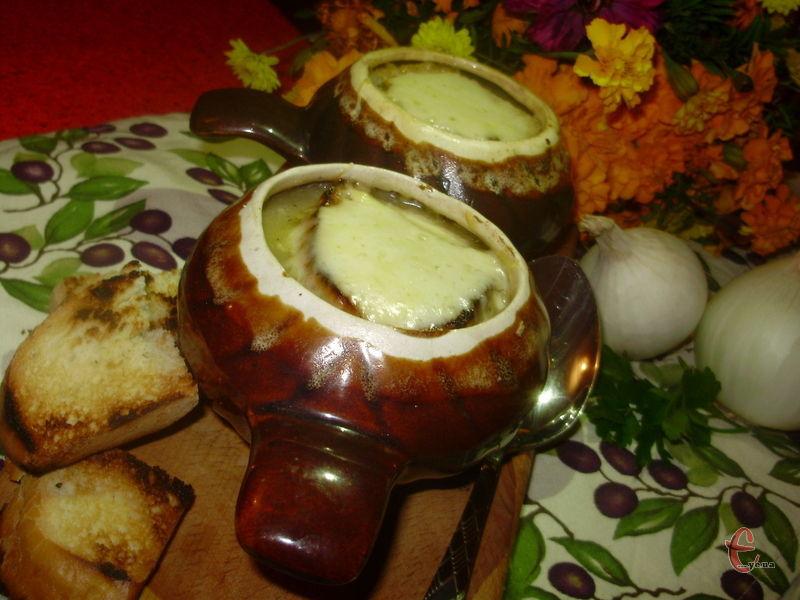 Приємна й ніжна консистенція супу не залишає надії на вибір – його хочеться з'їсти до останньої ложки й попросити добавку!