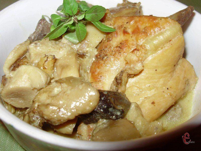 Популярна страва французької кухні, яка має досить цікаву технологію приготування — м'ясо на кісточці спочатку обсмажується на сковорідці, а потім доводиться до готовності у вершковому соусі.