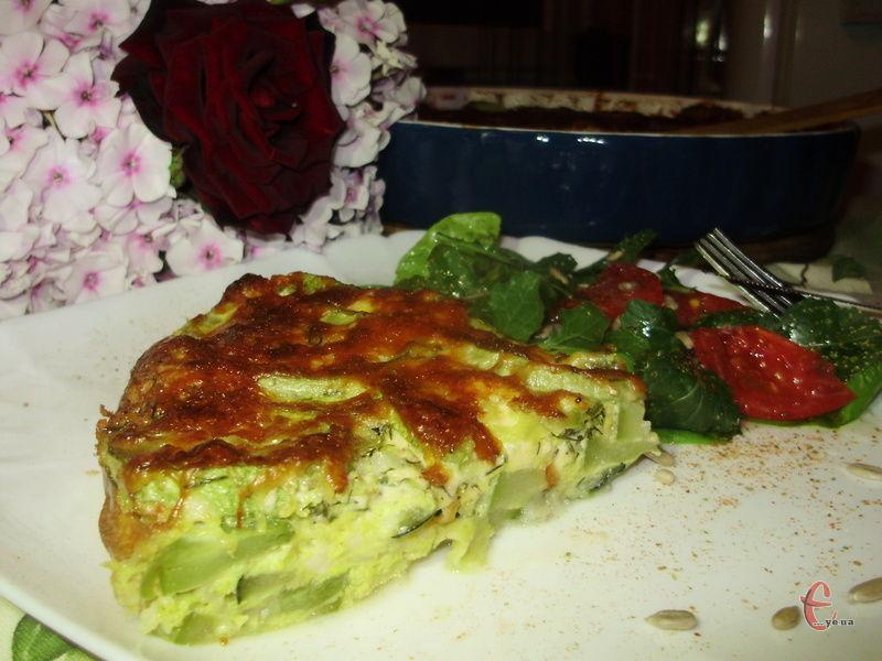 Готувати фріттату швидко й просто. Італійці традиційно роблять її із овочами, м'ясом та навіть із пастою.