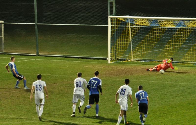 Віталій Груша не реалізував пенальті у ворота Таразу