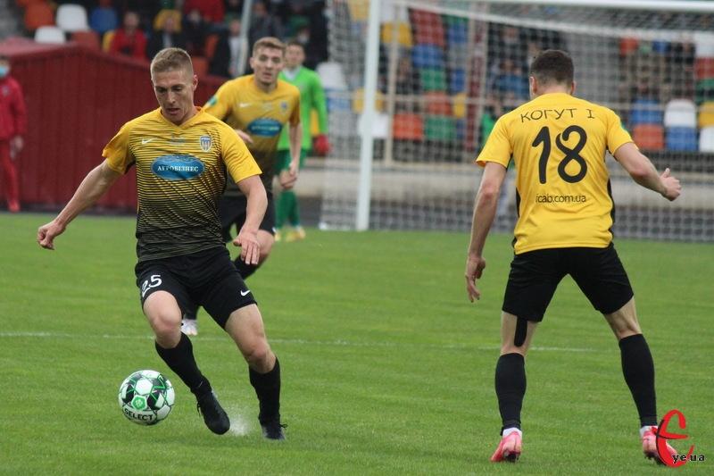 У матчі проти Прикарпаття в складі Агробізнеса не зміг зіграти Віталій Груша, оскільки він відбував дискваліфікацію