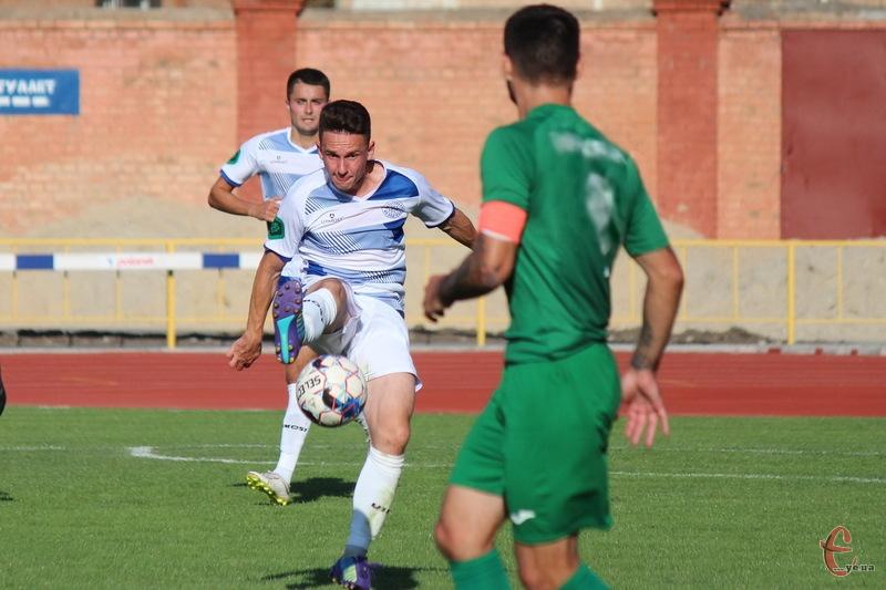 Кирило Костенко відкрив рахунок у матчі Поділля - Карпати, забивши свій 5 гол у сезоні