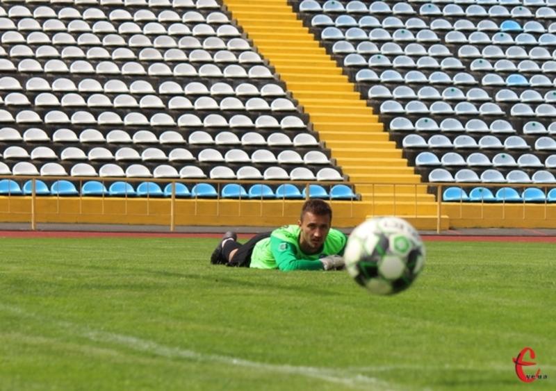 У Сергія Чернобая в матчі Епіцентр - Любомир майже не було роботи, але наприкінці гри він врятував свою команду від голу